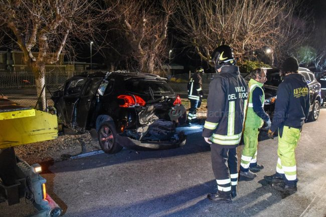 incidente-stradale-mortale-ss16-statale-adriatica-porto-recanati-FDM-10-650x433