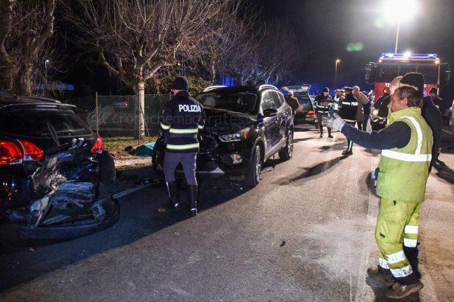 incidente-stradale-mortale-ss16-statale-adriatica-porto-recanati-FDM-12-650x433