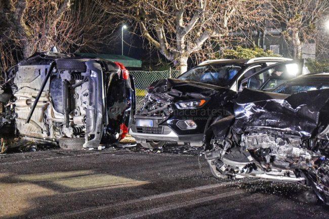 incidente-stradale-mortale-ss16-statale-adriatica-porto-recanati-FDM-3-650x433