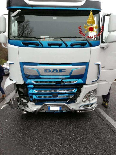 incidente-superstrada-corridonia-1-1-488x650