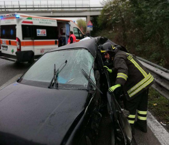 incidente-superstrada-corridonia-2-e1552984897797-650x558