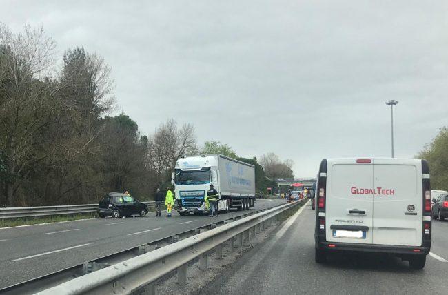 incidente-superstrada-corridonia-3-650x428