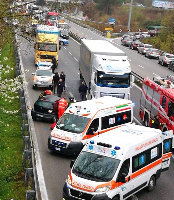 incidente-superstrada-corridonia-5-568x650