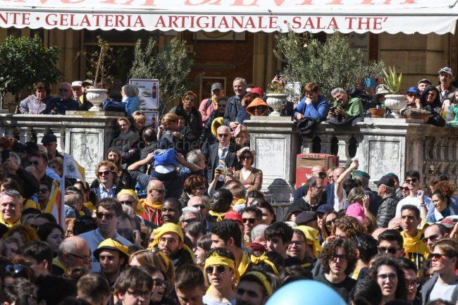 papa-francesco-piazza-santa-casa-basilica-loreto-FDM-11-650x433