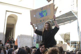 sciopero-per-il-clima-10-325x217
