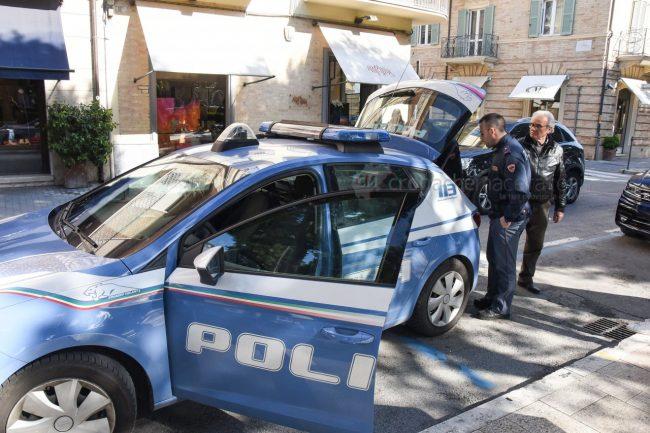 tentato-furto-vialetto-di-piazza-polizia-civitanova-FDM-1-650x433
