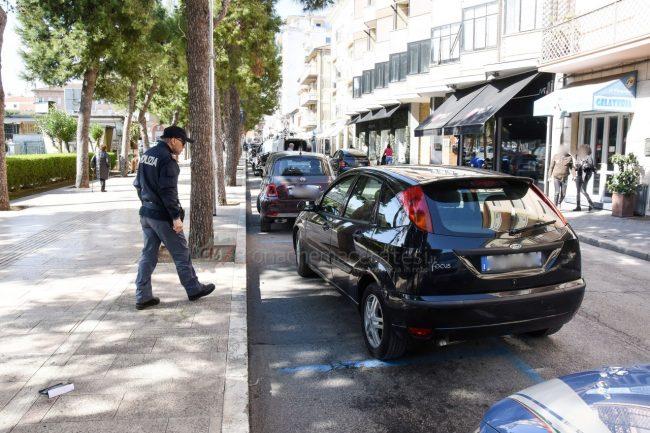 tentato-furto-vialetto-di-piazza-polizia-civitanova-FDM-6-650x433