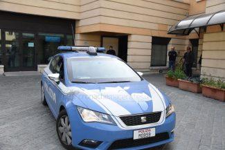 tunisino-esce-dal-commissariato-civitanova-FDM-2-325x217