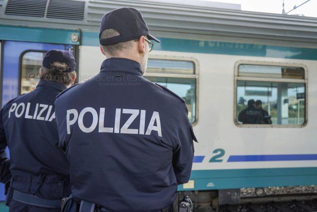 polizia-stazione-civitanova-treno-archivio-arkiv-FDM-2-650x434