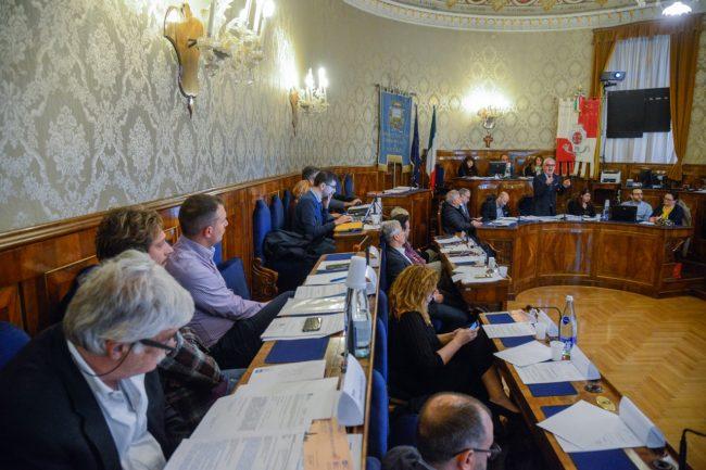 ConsiglioComunale_Piscine_FF-18-650x433