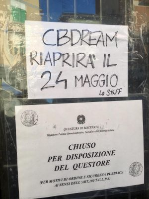 cannabis-negozio-civitanova-1-300x400