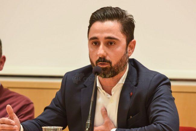 confronto-candidati-2019-simone-simonacci-fratelli-guzzini-recanati-FDM-9-650x433