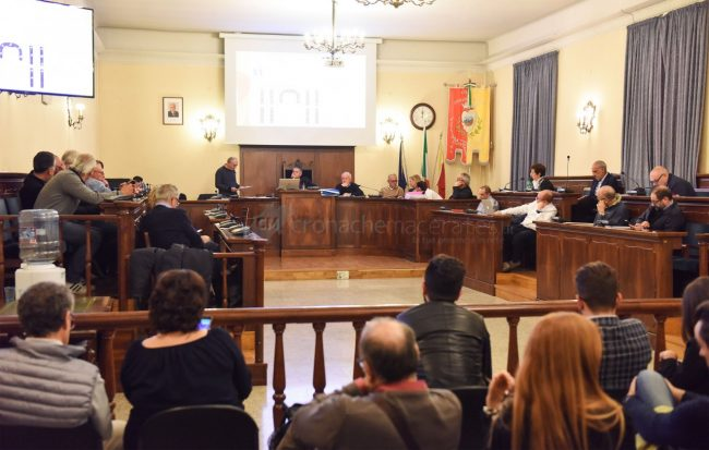 consiglio-comunale-maggio19-sala-consiliare-civitanova-FDM-2-650x413