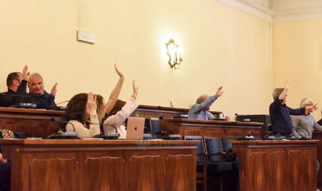consiglio-comunale-maggio19-votazione-maggioranza-civitanova-FDM-650x386