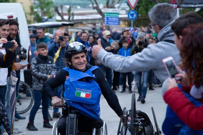 mondiale-paraciclismo-alex-zanardi-corridonia-2019-foto-ap-28-650x433