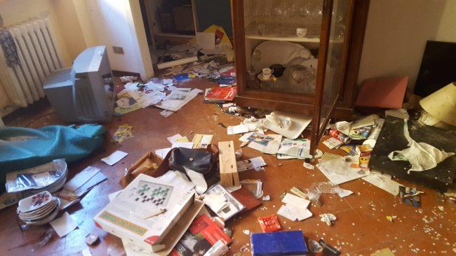 Casa-devastata-Via-Montecavallo-Tolentino-1-650x366