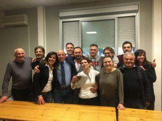 Il-sindaco-Sborgia-insieme-alla-sua-squadra-il-giorno-dellelezione