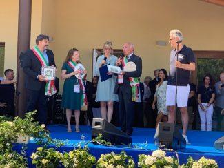 Lassessore-alla-cultura-Giovanna-Sartori-al-momento-dellannuncio-della-nuova-scuola
