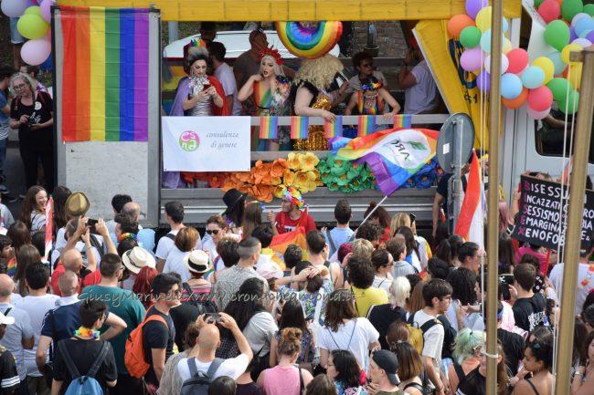 Marche_Pride-DSC_0149--650x433