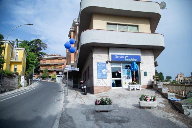 inaugurazione-servizi-immobiliari-macerata-2019-foto-ap-1-650x433