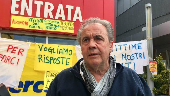 protesta-dipendenti-mercatone-uno-emilio-gasparroni-civitanova