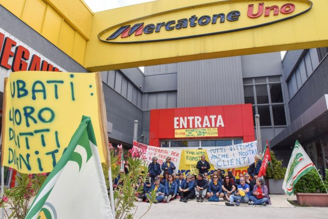 protesta-dipendenti-mercatrone-uno-civitanova-FDM-17-650x434
