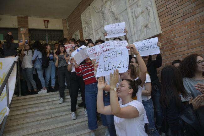 protesta-studenti-galilei-4-650x433