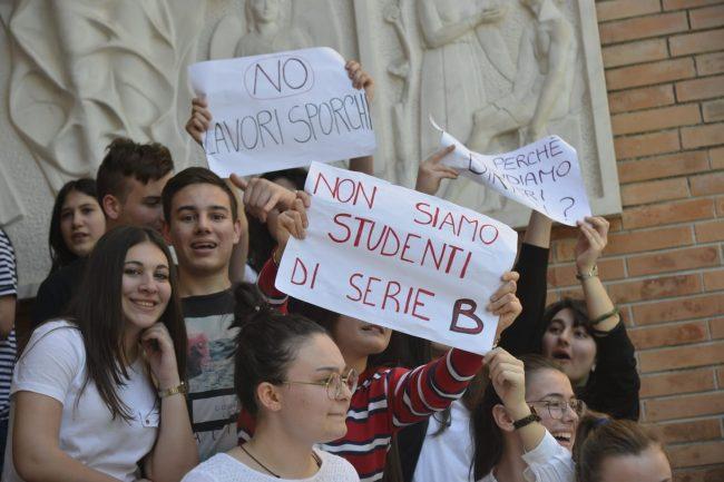 protesta-studenti-galilei-8-650x433