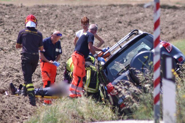 incidente-strada-regina-potenza-picena-FDM-11-650x434