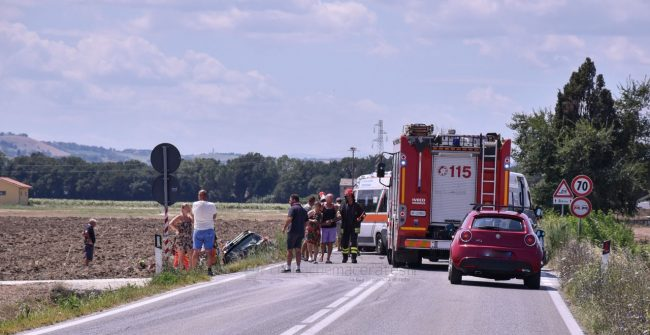 incidente-strada-regina-potenza-picena-FDM-12-650x335