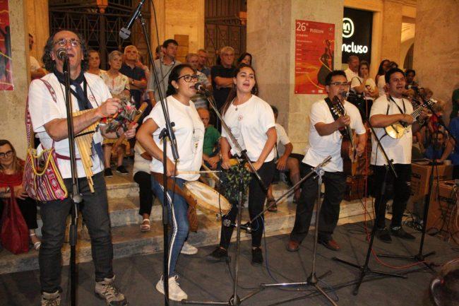 folclore-piazza-battisti-13g-650x433