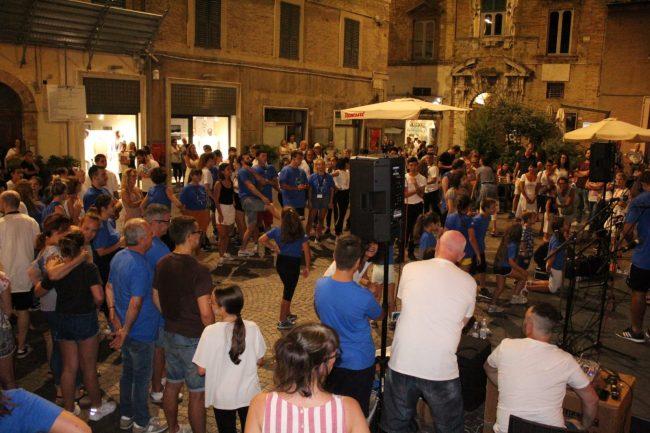 folclore-piazza-battisti-2-650x433