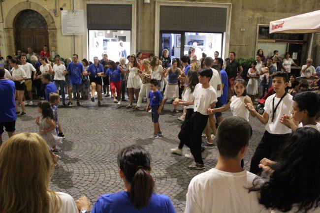folclore-piazza-battisti-20-650x433