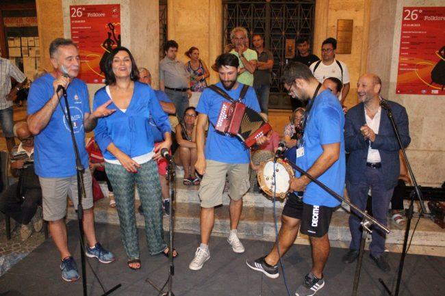 folclore-piazza-battisti-3-650x433