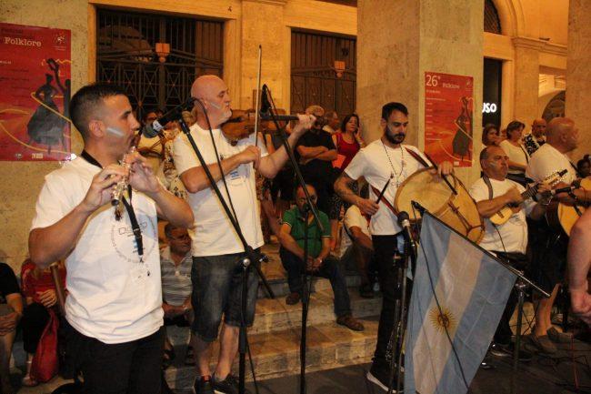 folclore-piazza-battisti-9-650x433