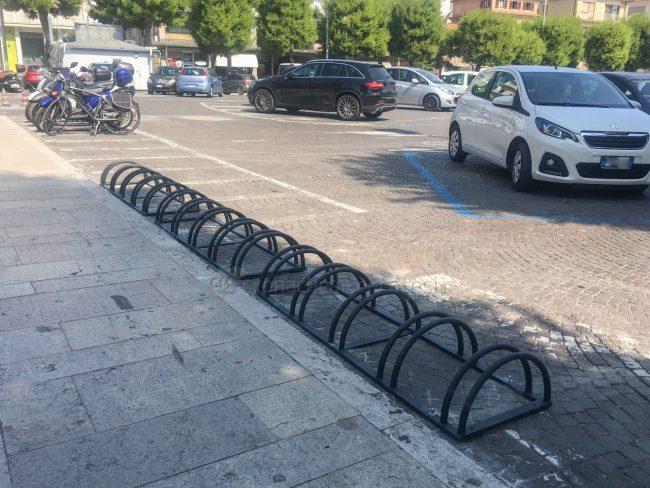rastrelliera-biciclette-piazza-xx-settembre-civitanova-1-650x488