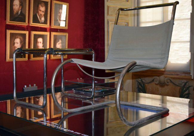 1-sedia-di-Mies-Van-Der-Rohe-650x456