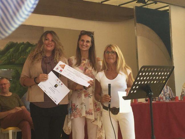 Gioia-Senesi-Carla-De-Albertsi-e-il-sindaco-di-Ceresio-Jenny-Santi