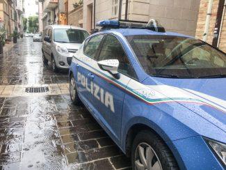 intervento-polizia-civitanova-4-325x244