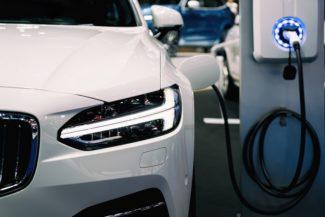 Auto-elettriche-2_bassa-325x217