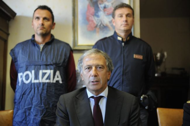 arresti-pignataro-abbate-droga-hotel-house-1-650x432