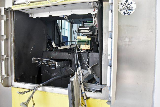 assalto-bancomat-ufficio-postale-montecosaro-FDM-13-650x433