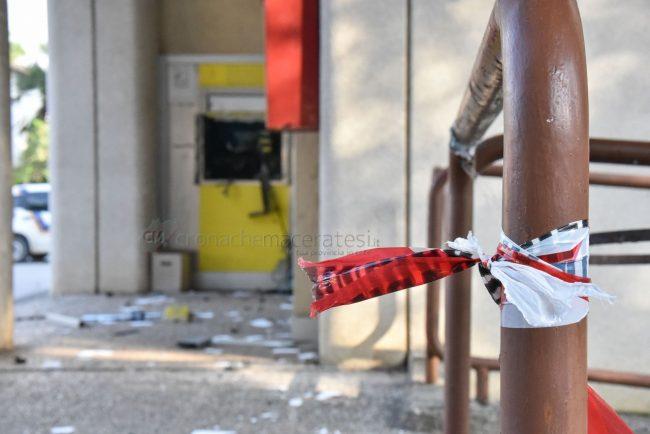 assalto-bancomat-ufficio-postale-montecosaro-FDM-2-650x434