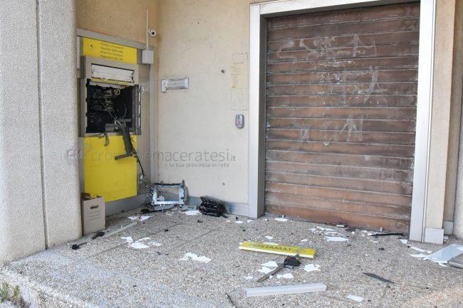 assalto-bancomat-ufficio-postale-montecosaro-FDM-3-650x433