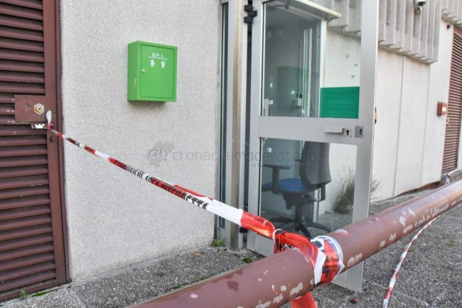 assalto-bancomat-ufficio-postale-montecosaro-FDM-5-650x433