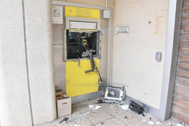 assalto-bancomat-ufficio-postale-montecosaro-FDM-8-650x434