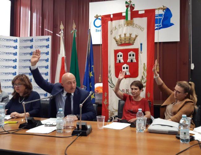 consiglio-comunale-camerino-1-e1571418907824-650x503