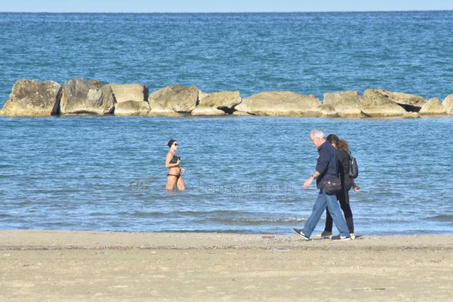 mare-spiaggia-ottobre-civitanova-1-650x433