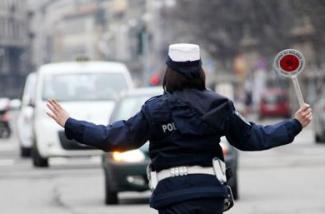 stop-traffico-vigili-urbani-polizia-municipale