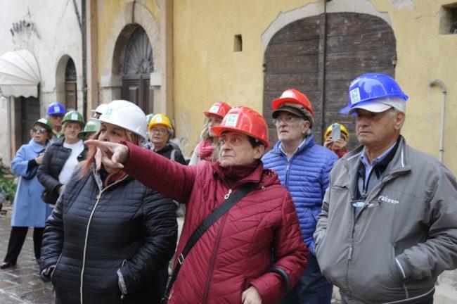 terremoto_manifestazione_piazza_a_visso-FF-10-1-650x432